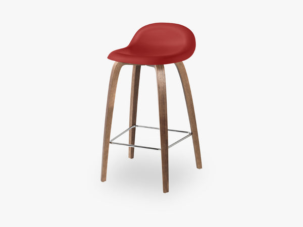 3D Counter Stool - Un-upholstered - 65 cm American Walnut base, Shy Cherry shell fra GUBI