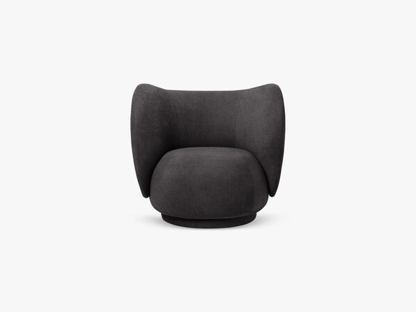 Rico Lounge Chair, Boucle - Warm Dark Grey fra Ferm Living