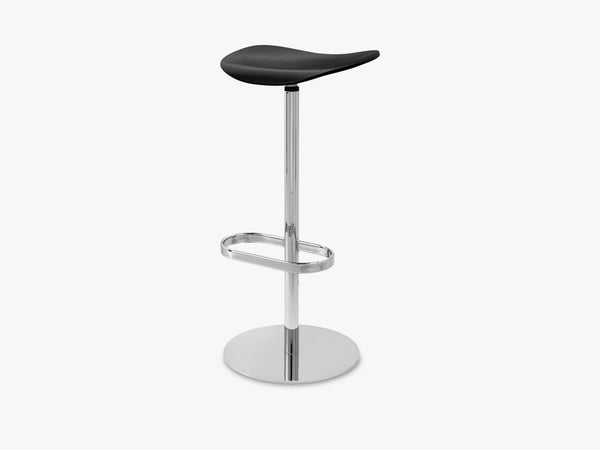 2D Bar Stool - Un-upholstered - 75 cm Swivel Chrome base, Black Stained Birch shell fra GUBI
