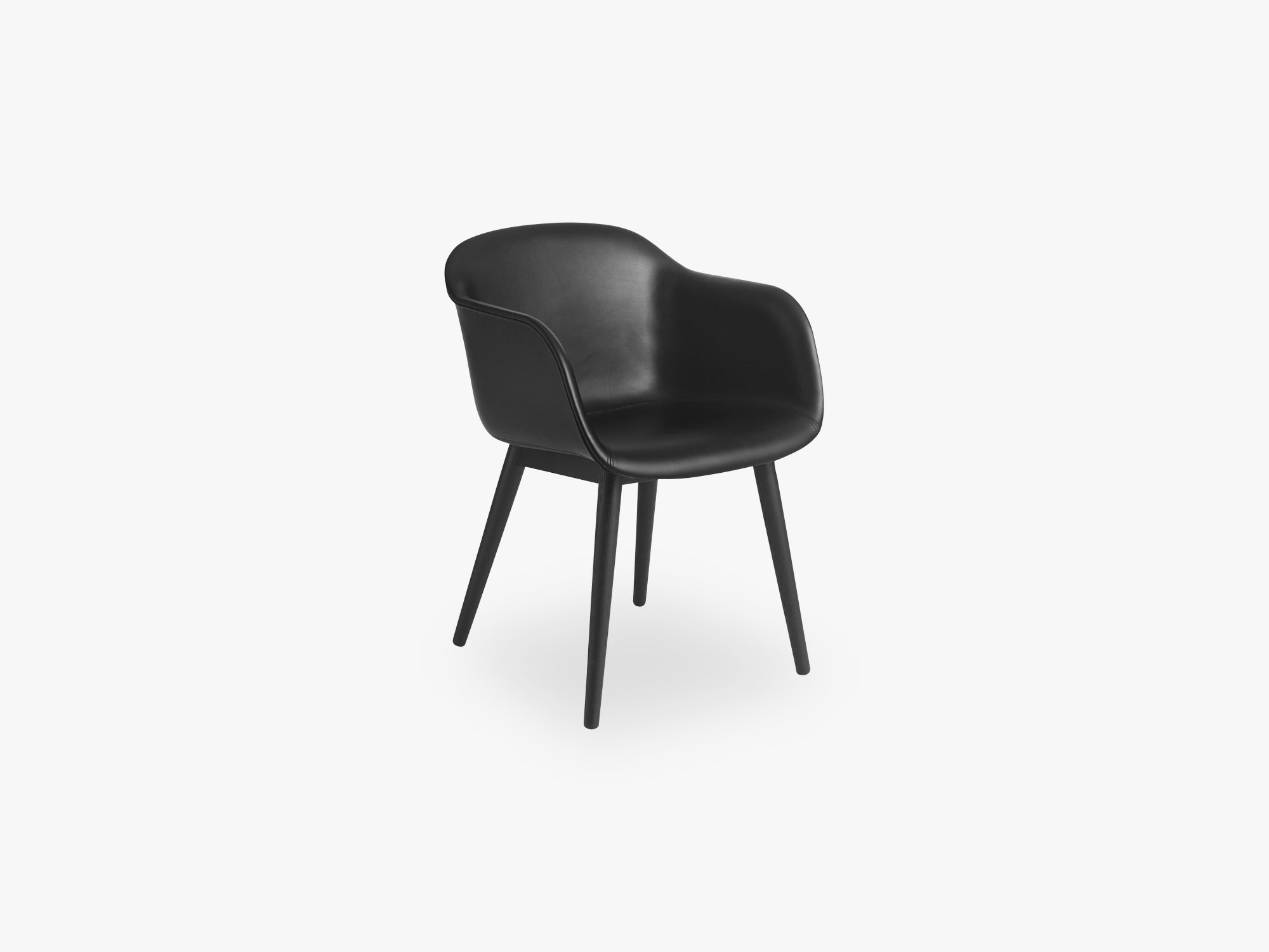 Fiber Armchair - Wood Base - Leather Shell, Silk Leather - Black/Black fra Muuto