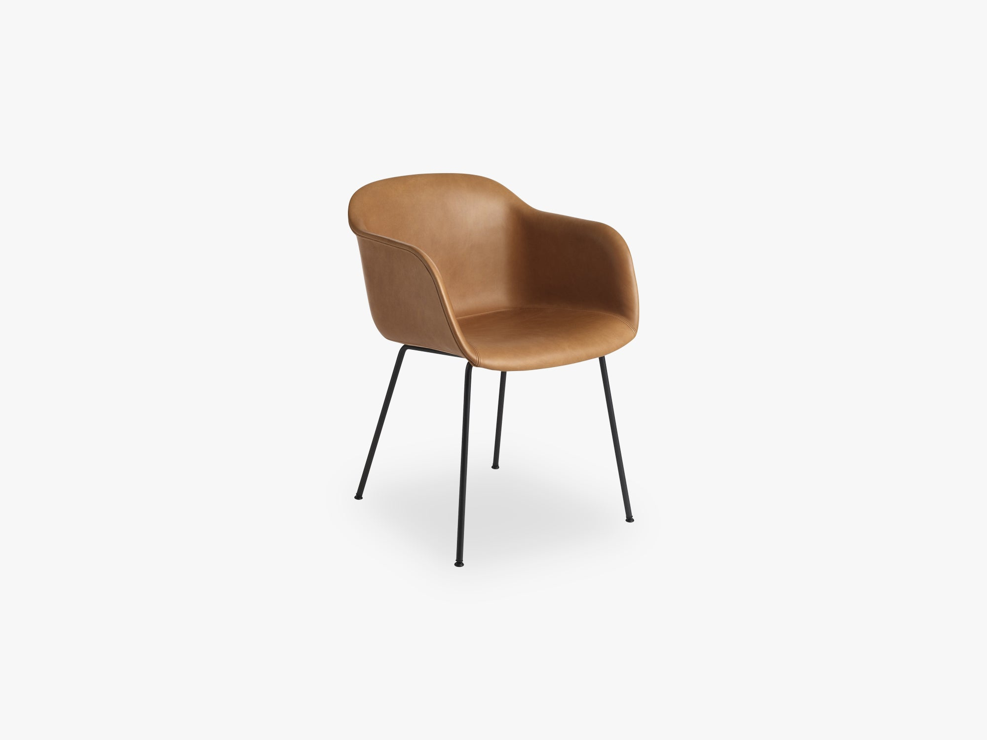 Fiber Armchair - Tube Base - Leather Shell, Silk Leather - Cognac/Black fra Muuto