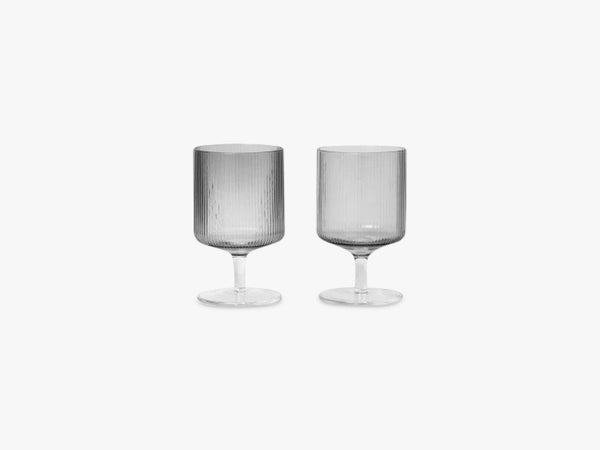Ripple Wine Glasses - 2 pcs, Smoked fra Ferm Living