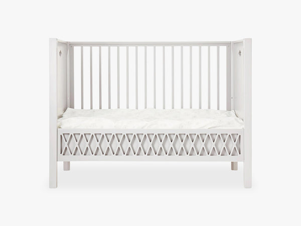 Harlequin Baby Bed - Closed Ends, Light Sand fra Cam Cam Copenhagen