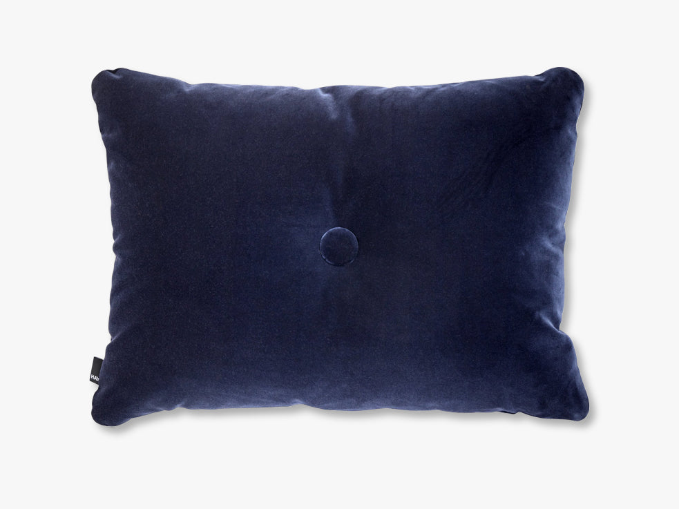 Dot Cushion Soft, Navy fra HAY