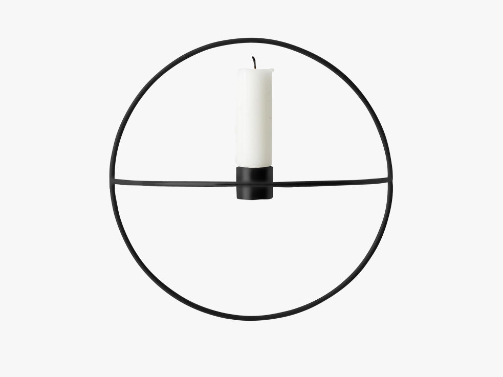 POV Circle Candleholder – Small, Black fra Menu