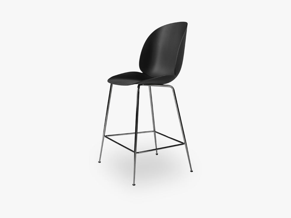 Beetle Counter Chair - Un-upholstered - 64 cm Conic Black Chrome base, Black shell fra GUBI