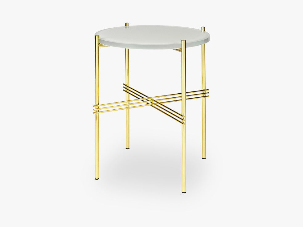 TS Coffee Table - Dia 40 Brass base, glass oyster white top fra GUBI
