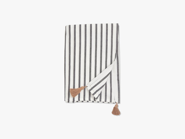 Table cloth, stripe, black/off white fra Nordal