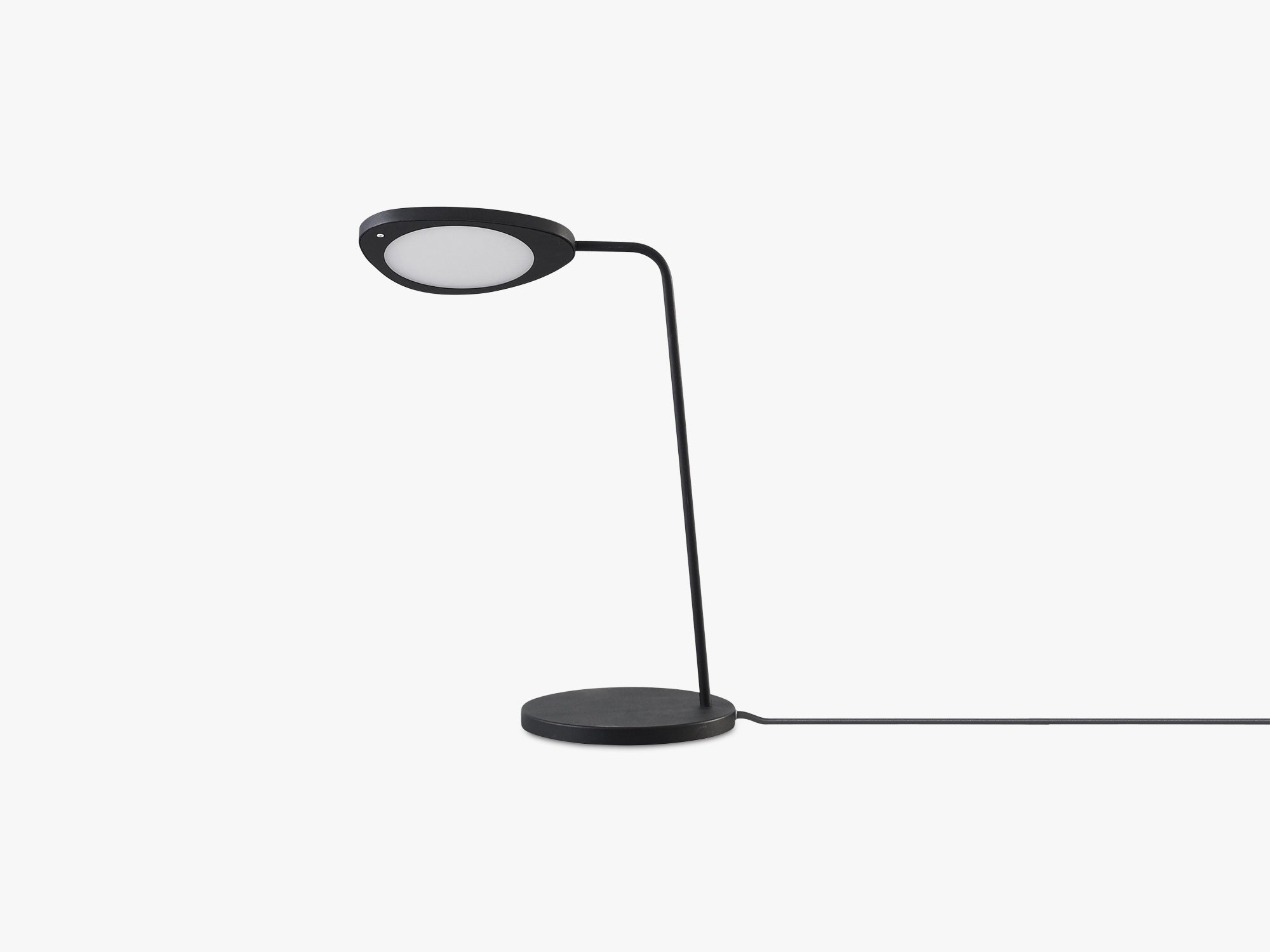 Leaf Table Lamp, Black fra Muuto