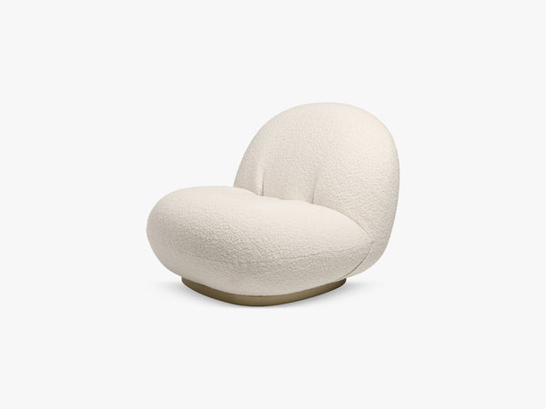 Pacha Lounge Chair - Pearl Gold, Karakorum 001 fra GUBI