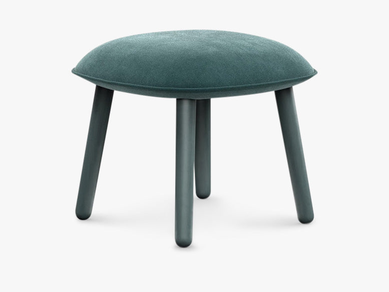 Ace Footstool Velour - Lake Blue fra Normann Copenhagen