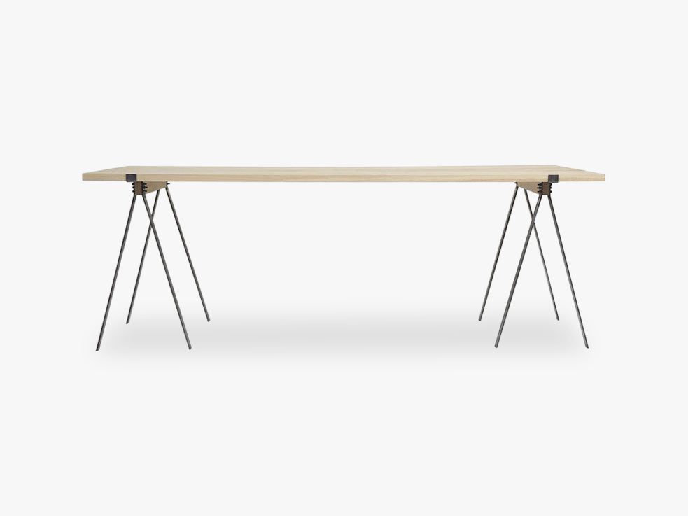 F56 Trestle Table | Incl Planks fra FRAMA