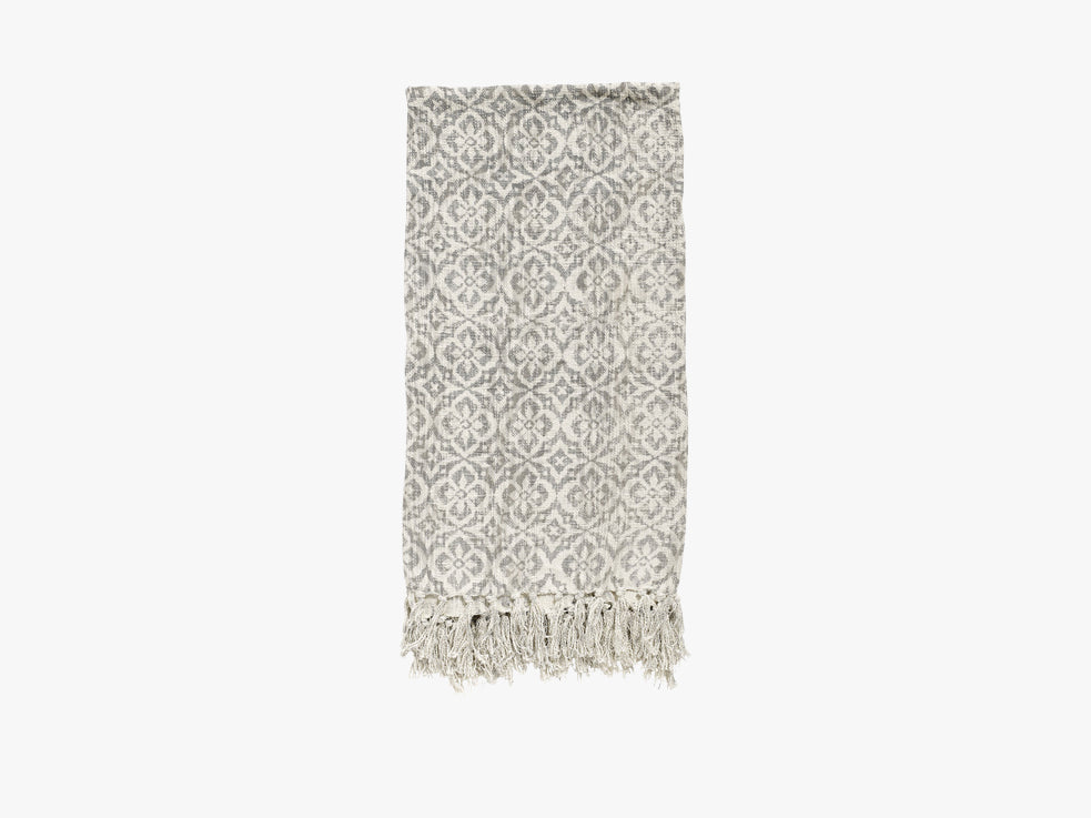 Blanket, natural w/light grey flowers fra Nordal