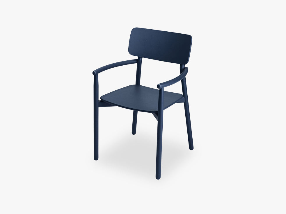 Hven Armchair, Dark Blue, Oak fra SKAGERAK