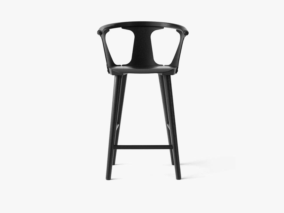 In Between Bar Stool - SK9, Black lacquered fra &tradition