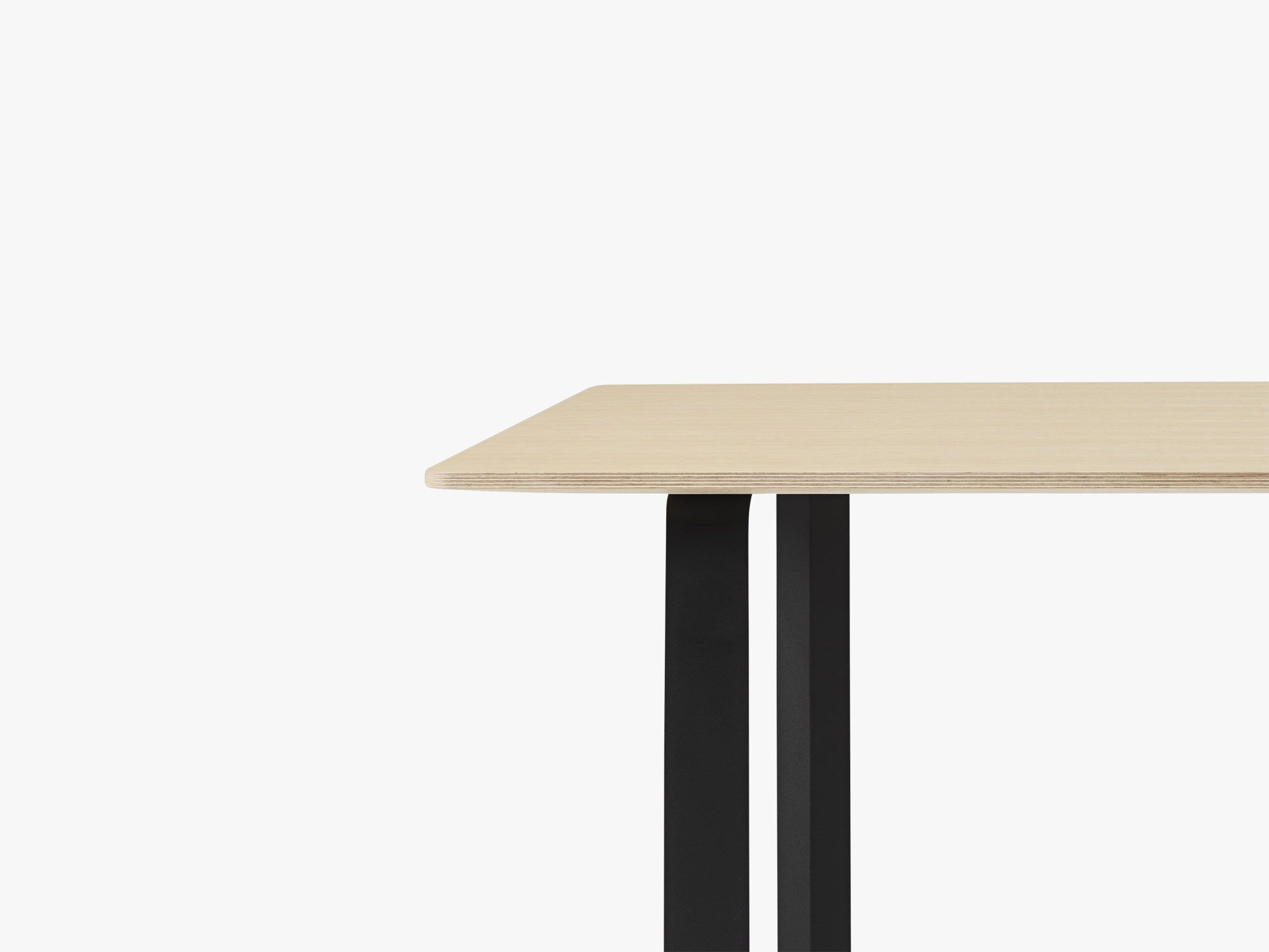 70-70 Table - Extra Large, Oak/Black fra Muuto