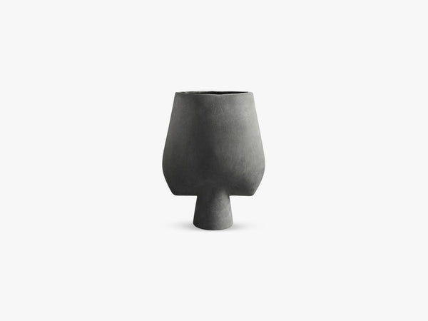 Sphere Vase Square, Big, Dark Grey fra 101 Copenhagen