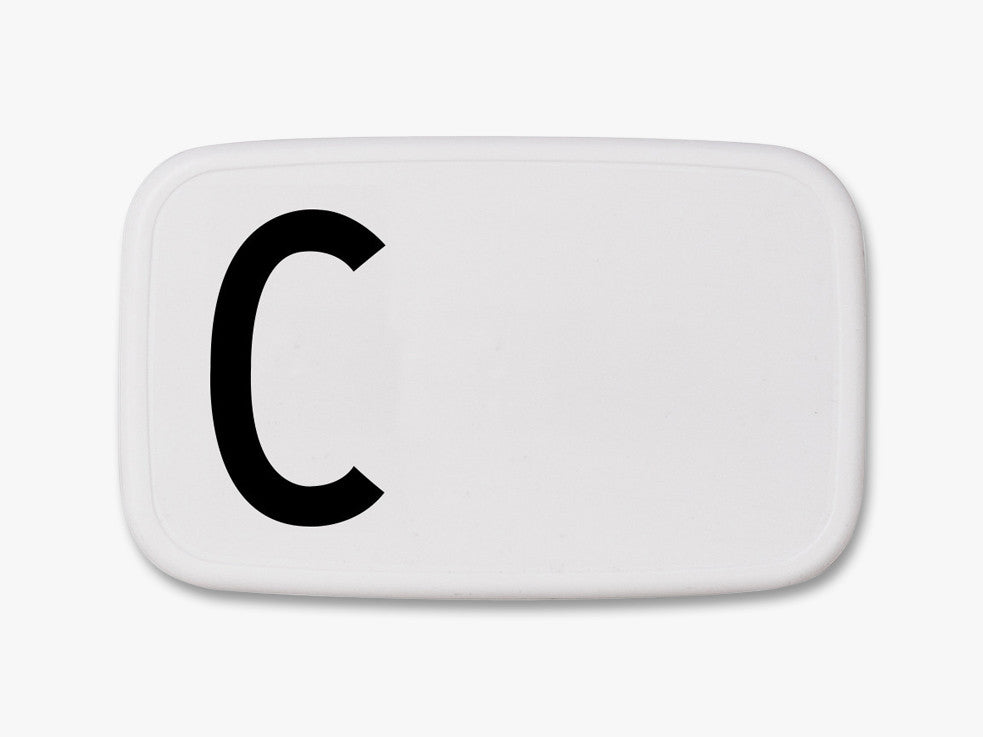 C - Personal Lunch Box fra Design Letters