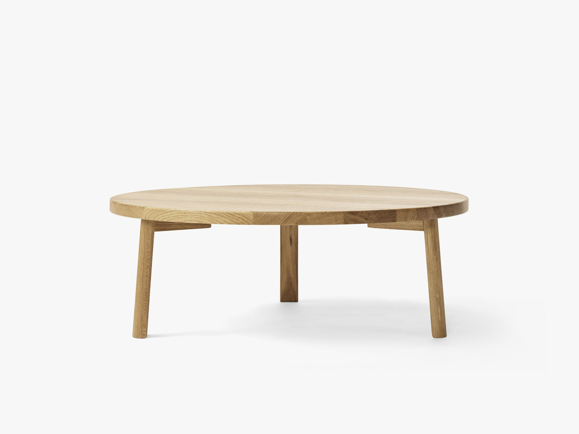 Ease Lounge Table Ø90, H33 Oak Veneer fra MILLION