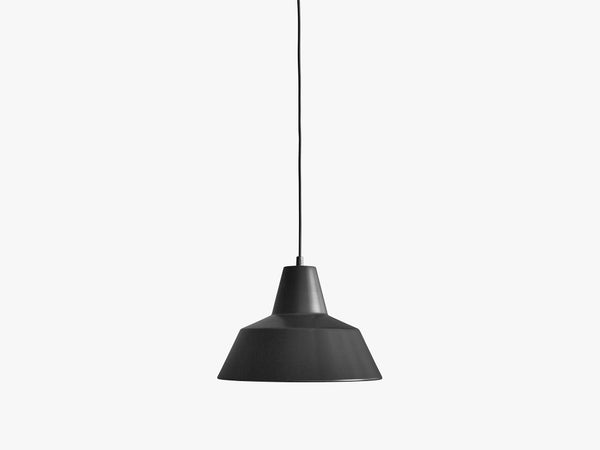 Workshop Lamp W3, Matte Black fra Made By Hand
