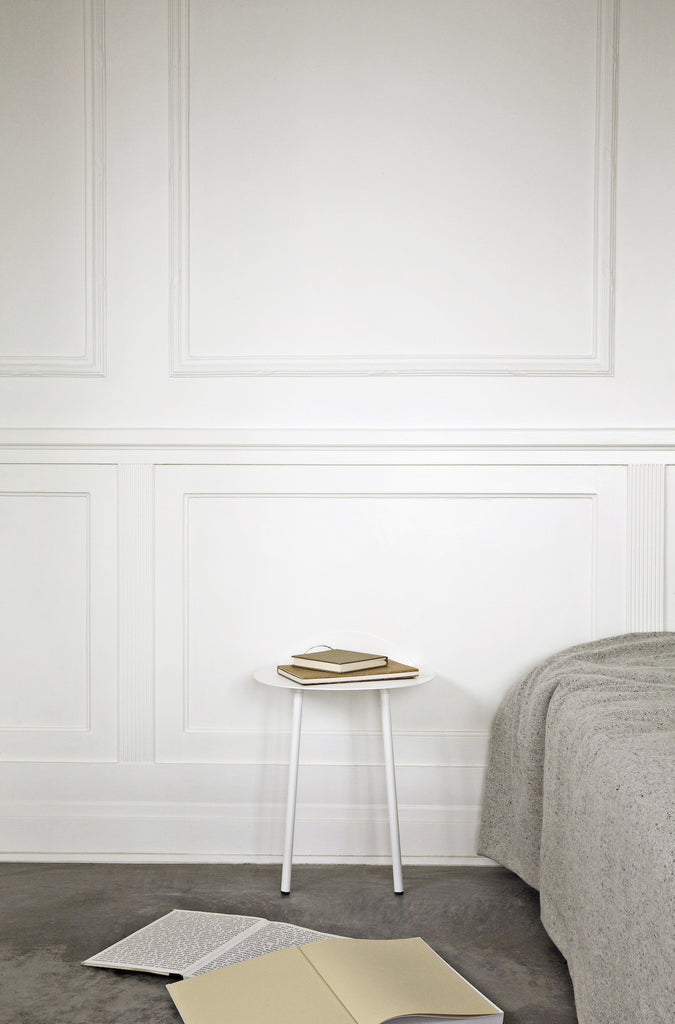 Yeh Wall Table - Low, Light Grey fra Menu