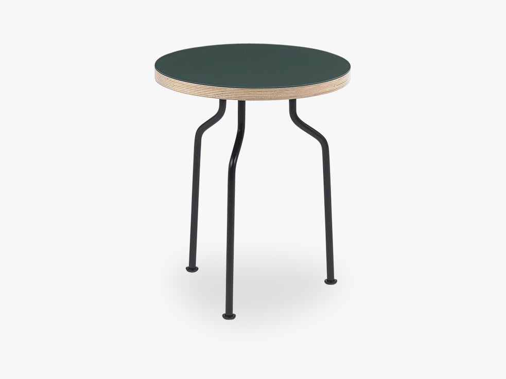 Modern Line Side Table, Conifer fra GUBI