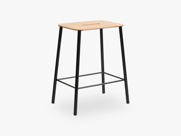 Adam Stool H50, Matt Black Leather fra FRAMA