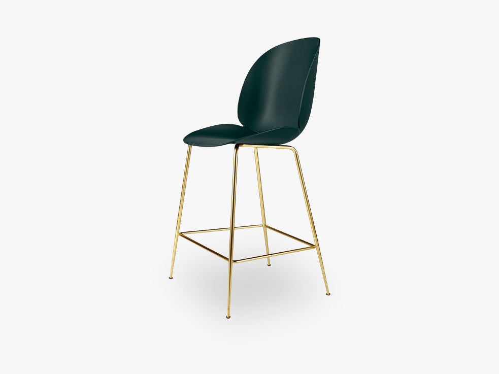 Beetle Counter Chair - Un-upholstered - 64 cm Conic Brass base, Green shell fra GUBI