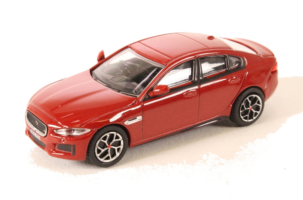 Oxford Diecast - Jaguar XE Italian Red - 76JXE001