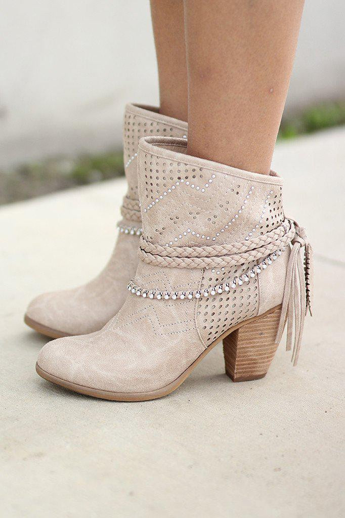 beige fashion boots