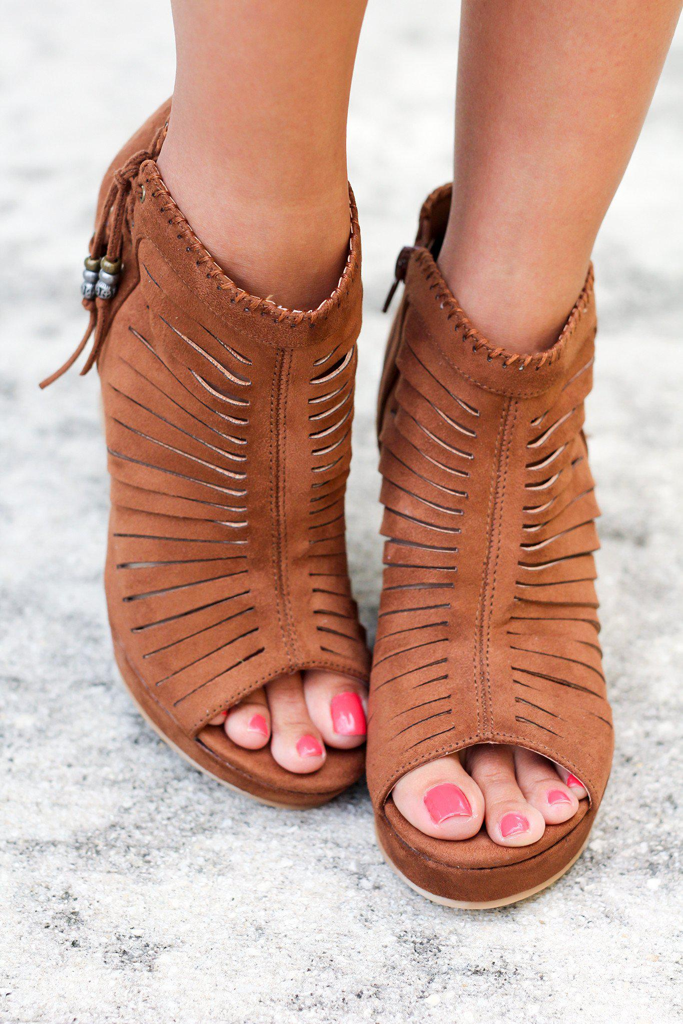 Avisio Tan Wedges