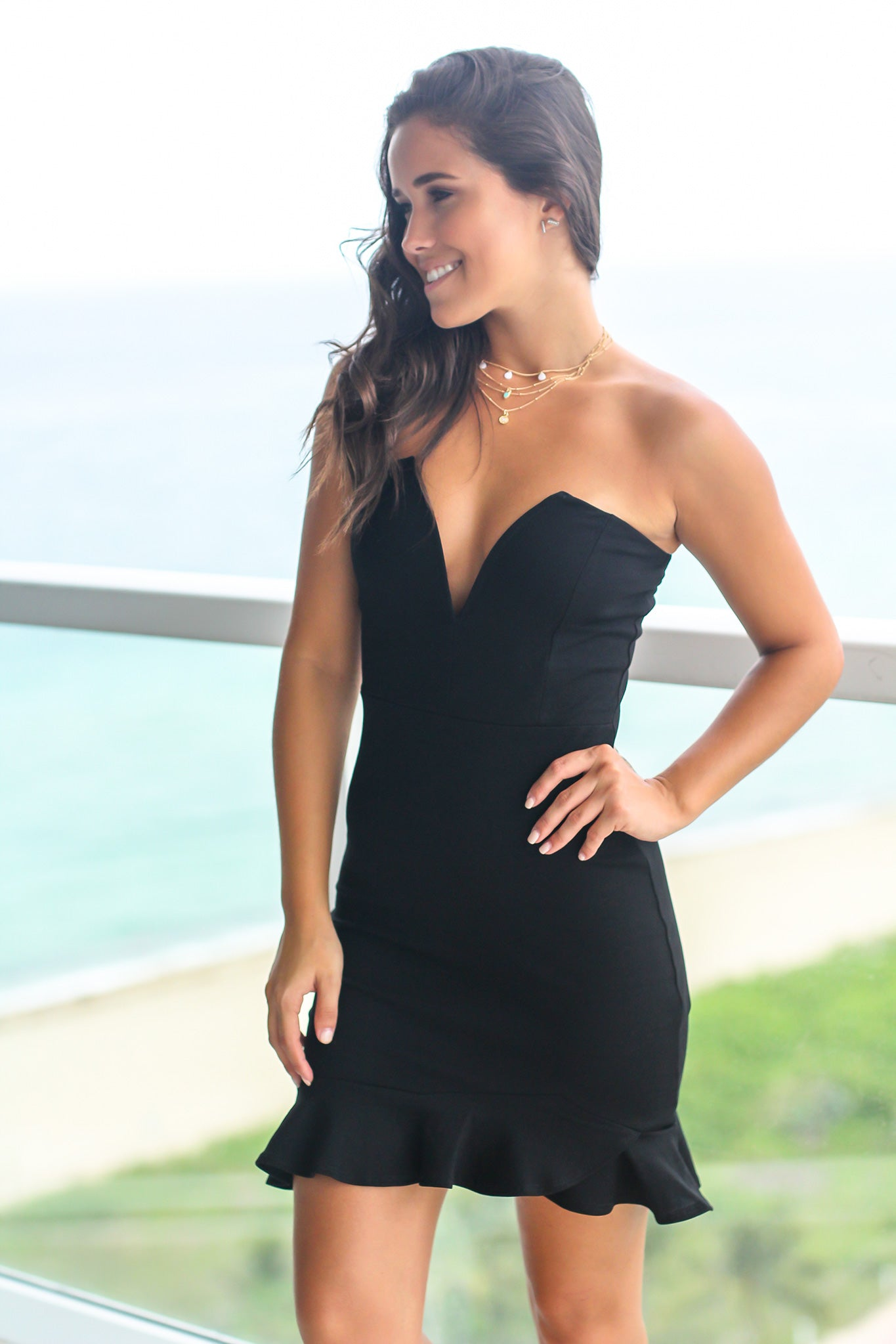 Black Strapless V-Neck Short Dress