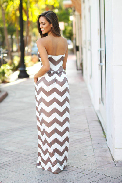 Maxi length dress not only gives you a demure look that is very fashionable right now, but also provides you with the freedom to wear any kind of footwear that you choose. Take advantage of how versatile this dress is to wear it in more places than you can with other dresses in your wardrobe.
