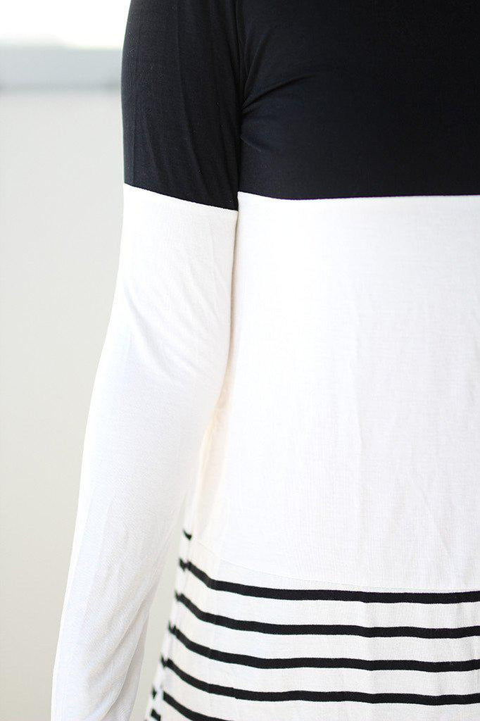 black and white loose fit top