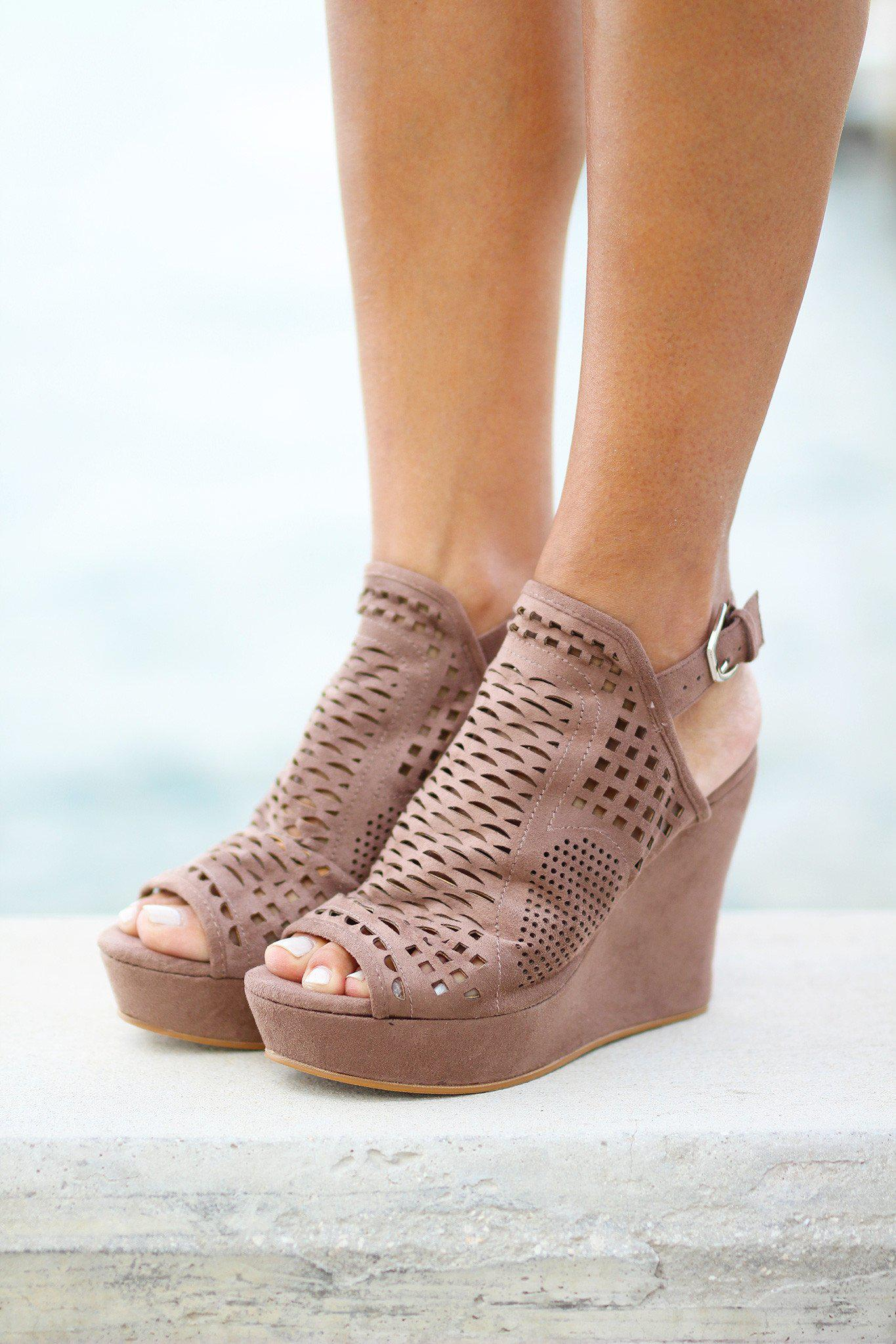 European Cafe Taupe Wedges