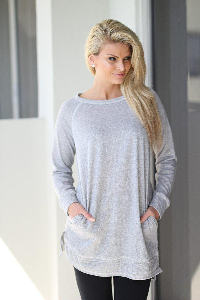 heather gray top with pockets
