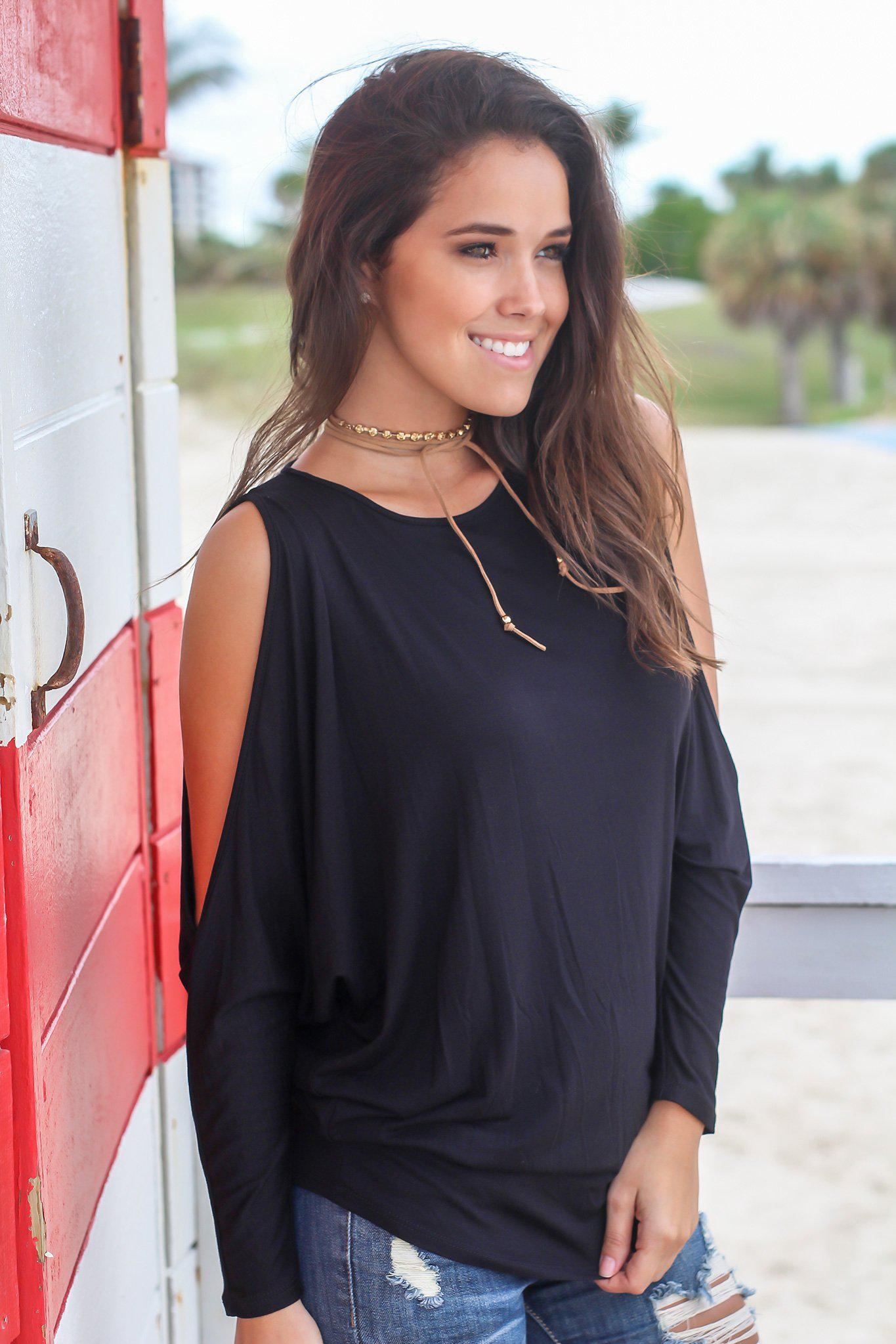 women's trendy tops