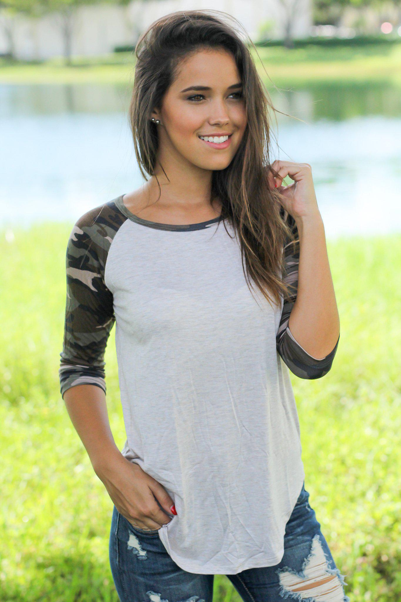 Oatmeal Top With Camo Sleeves