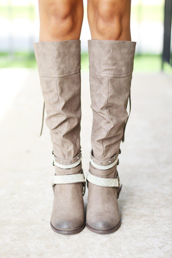 distressed tip boots