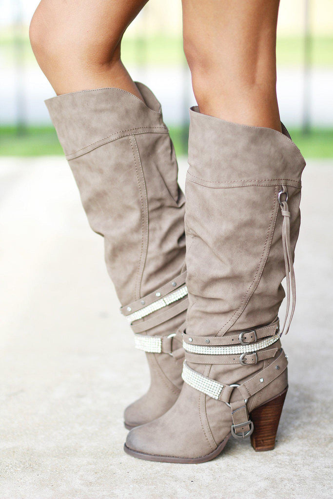 buckle straps boots