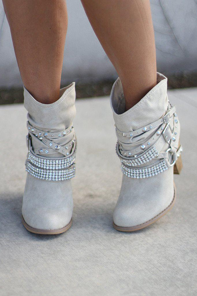 cream fashion boots