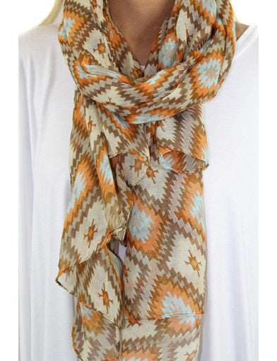 Beige cute scarf - zoomed view