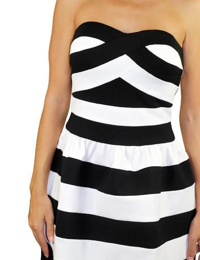Black and white dress with stripes - zoomed view