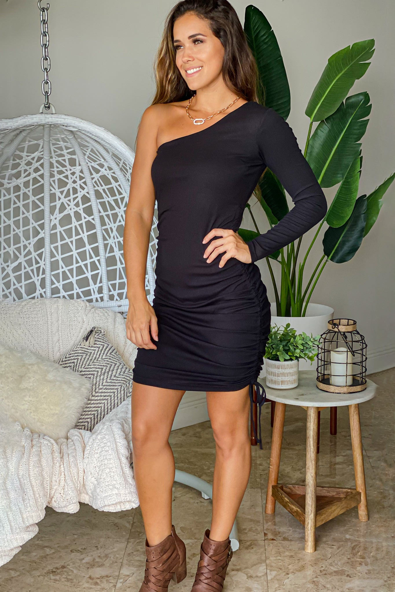 black cute short dress