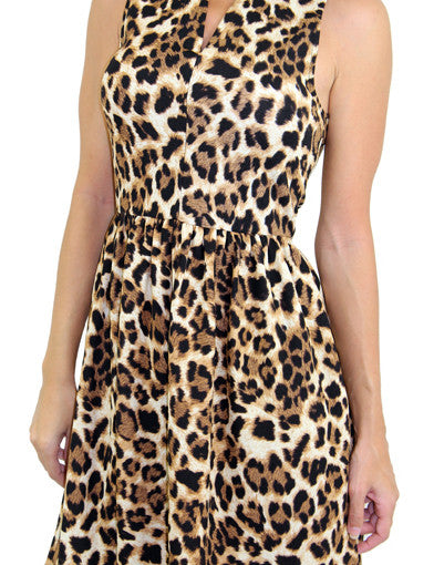 Casual dress with animal print - zoomed view