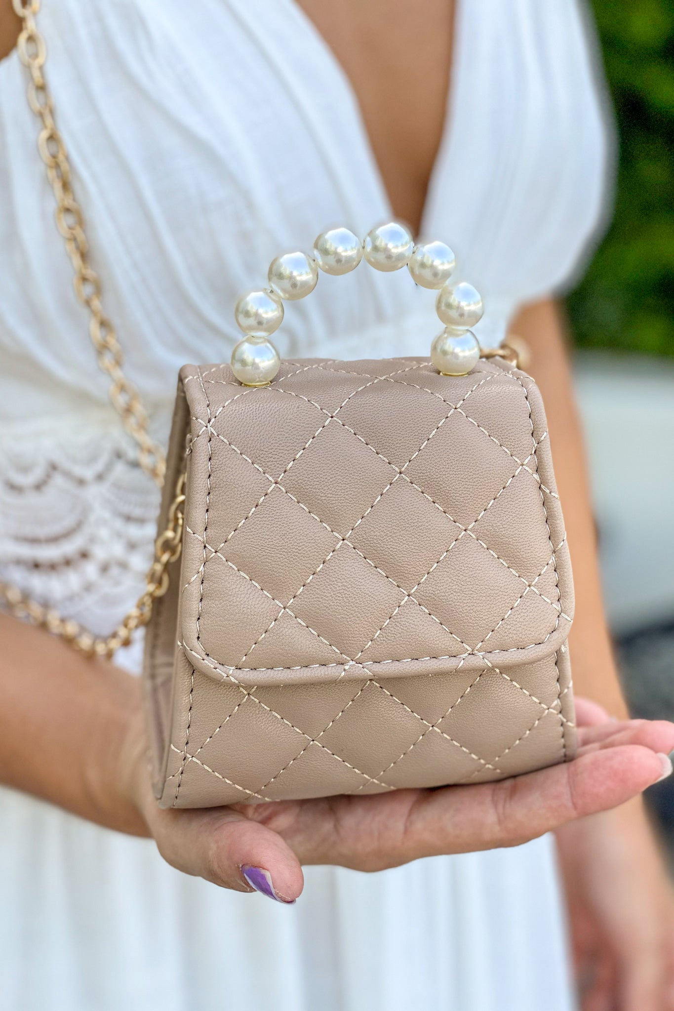 khaki-faux-pearls-handle-clutch