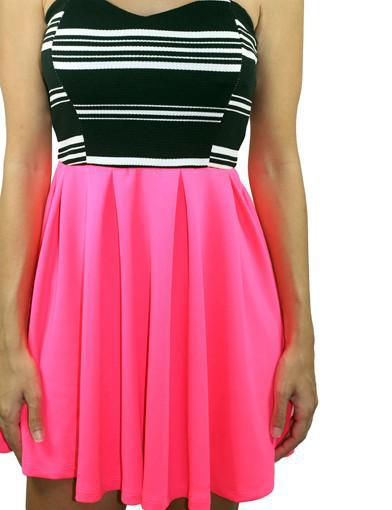 Neon pink strapless dress - zoomed view