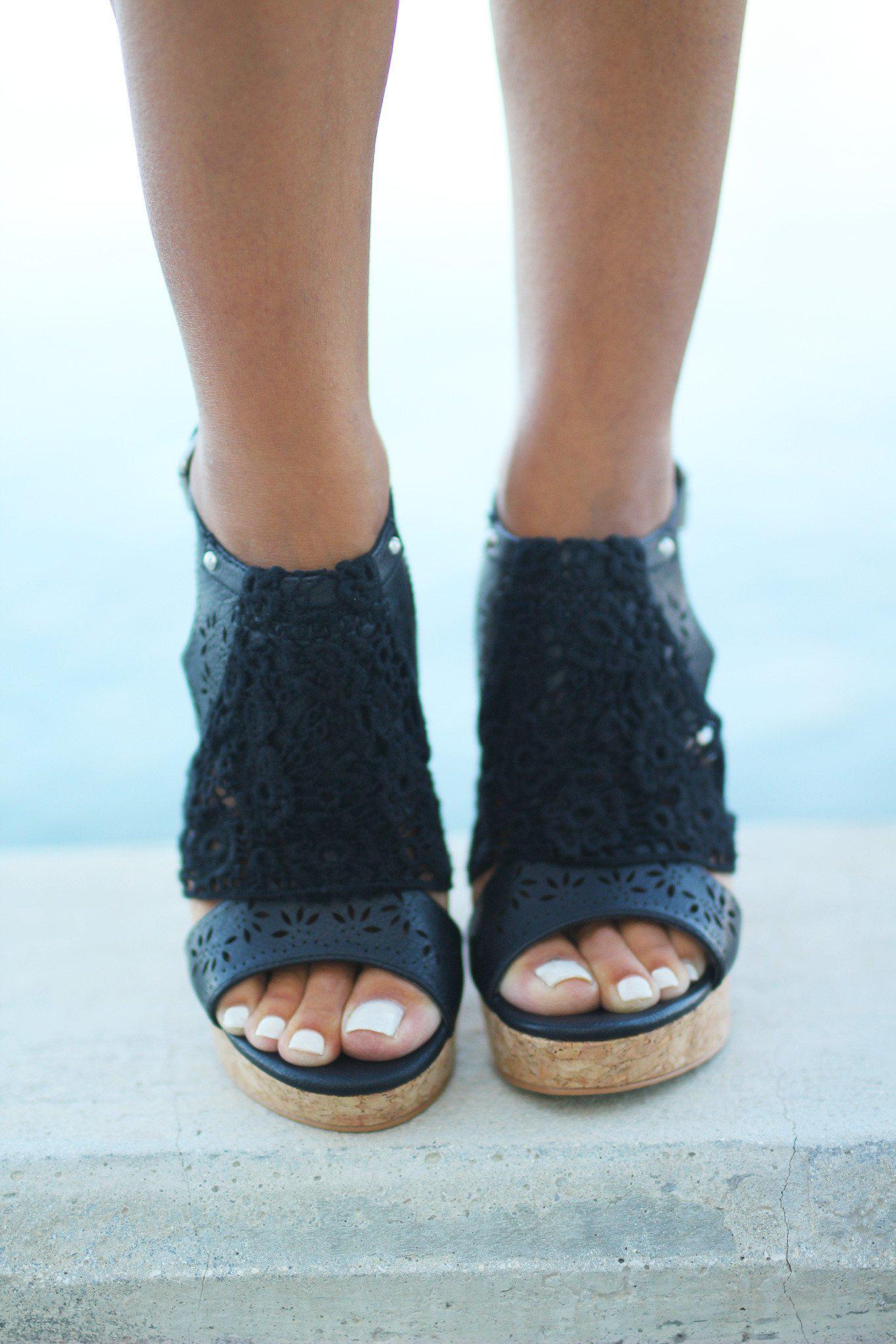 Candace Black Wedges