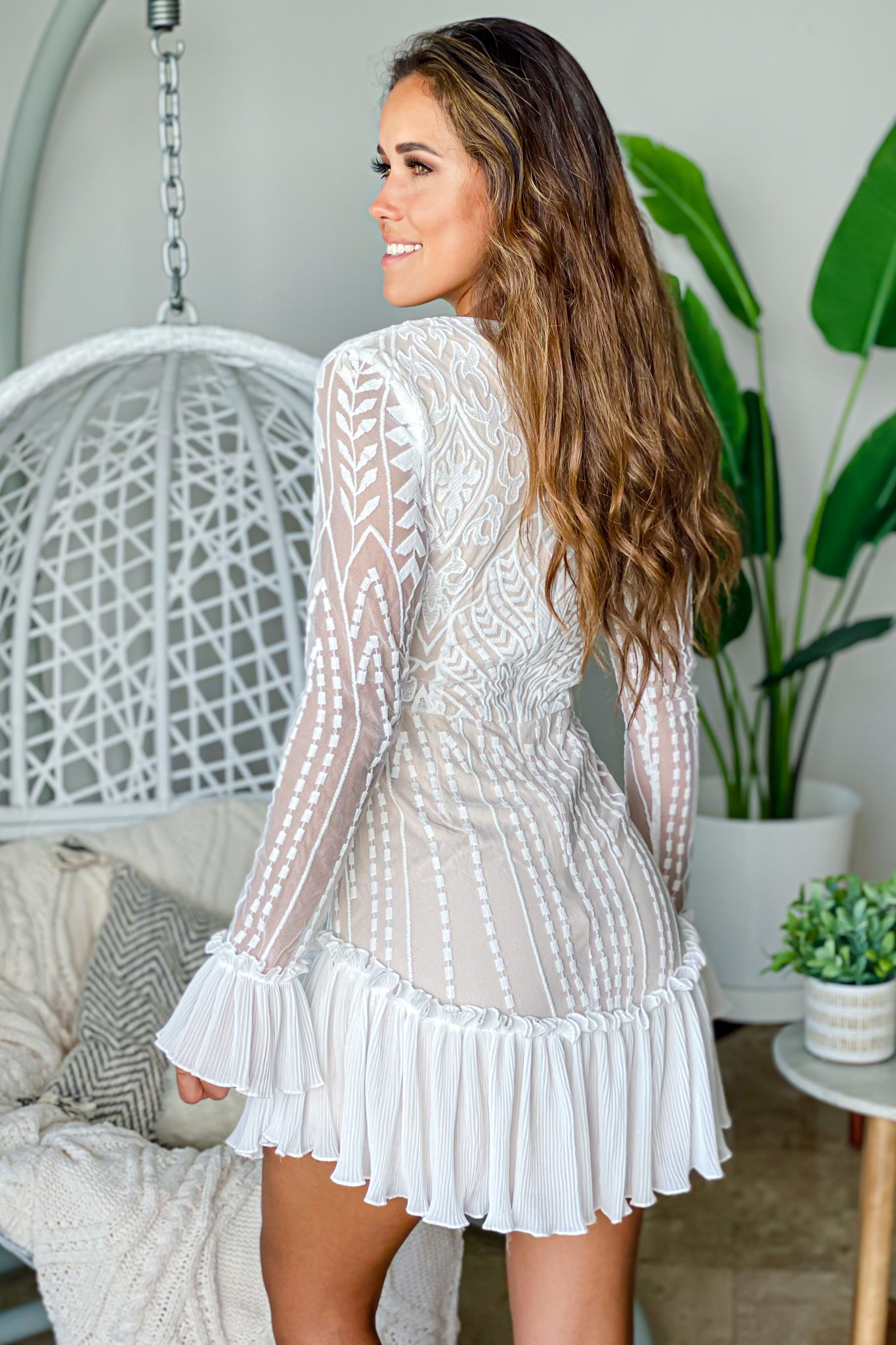 white long sleeve lace short dress
