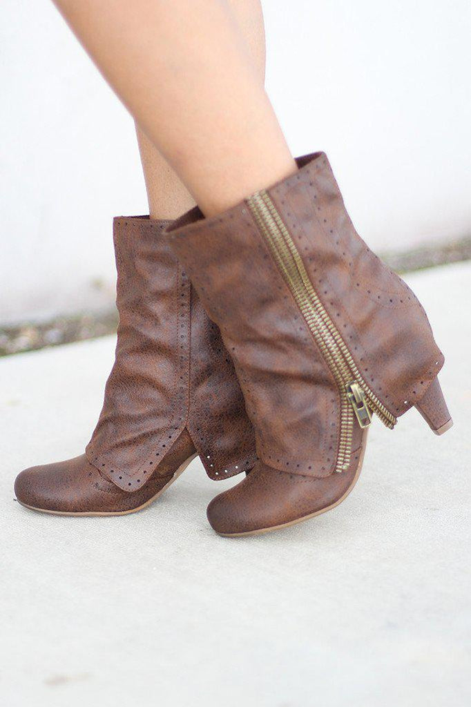 Zip that Lip Tan Booties